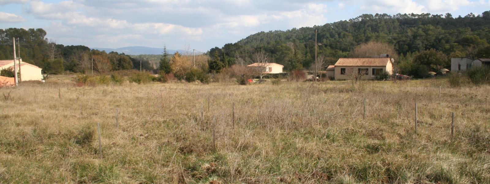 Joli terrain plein sud    Réf. 4415