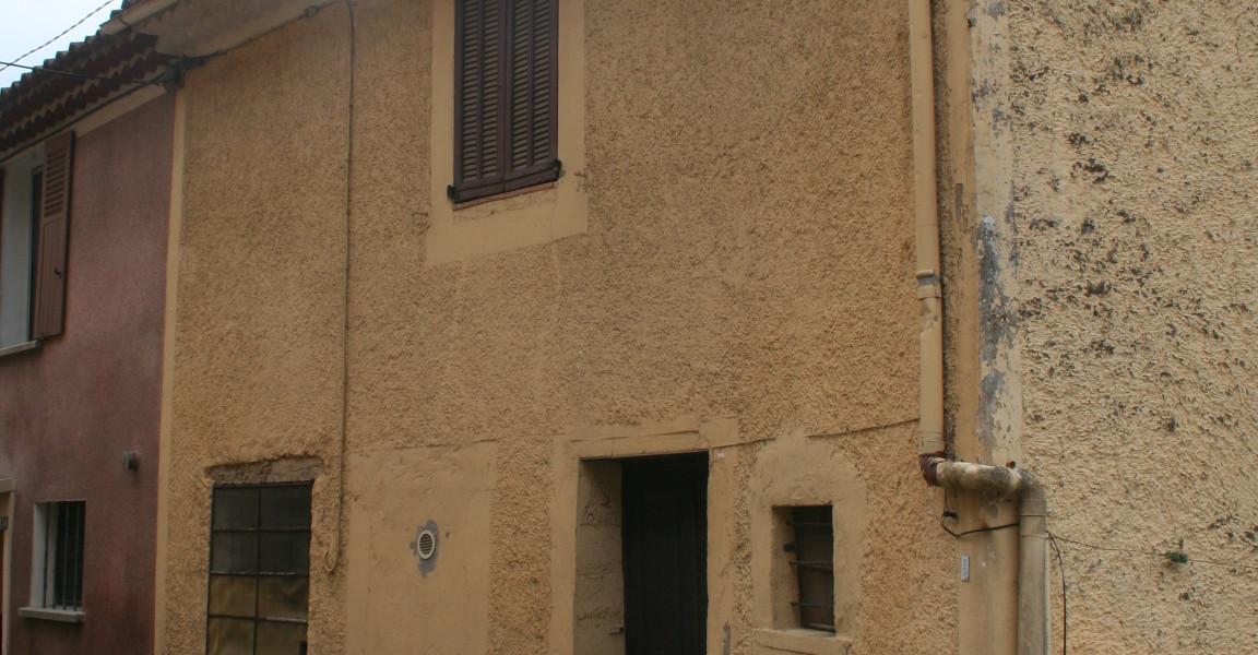 Maison de village avec jardin  Réf. :4411